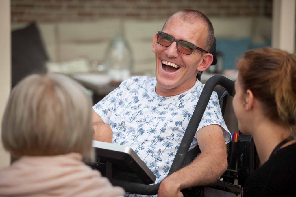 Laughing man with Tellus 5.
